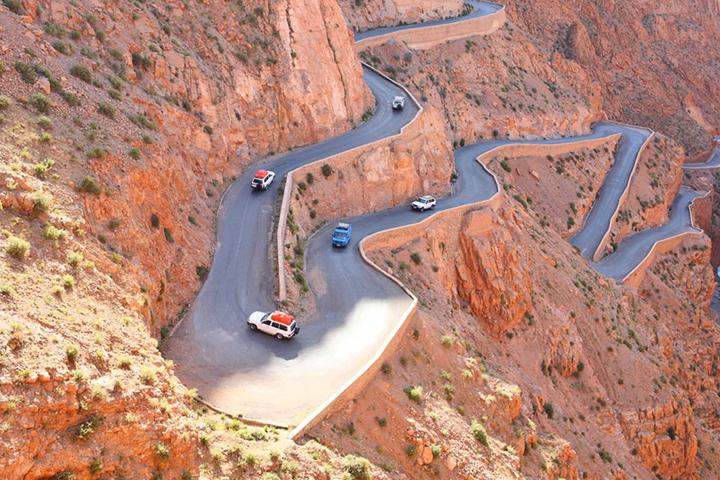 Carretera para llegar a las Gargantas del Todra